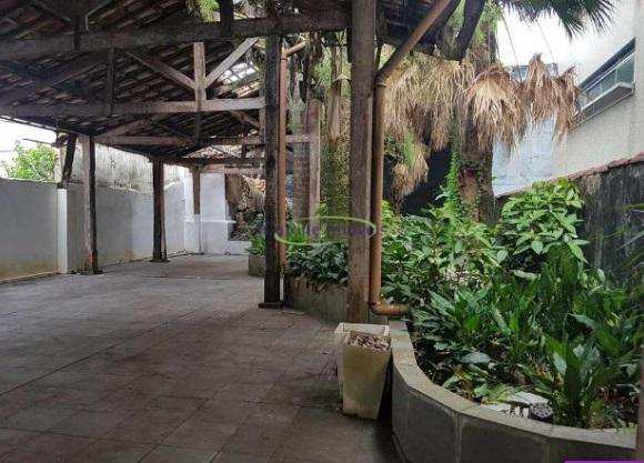 Casa em Santos, no bairro Gonzaga