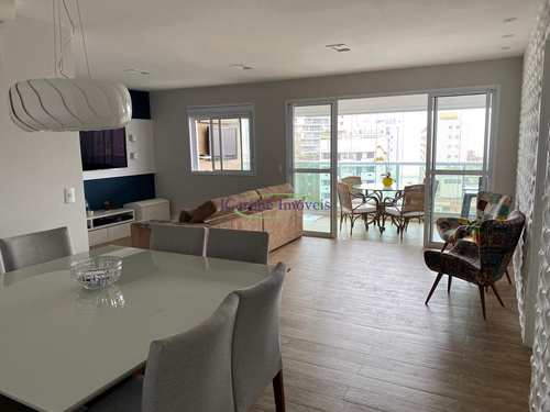 Apartamento, código 64152479 em Santos, bairro Pompéia