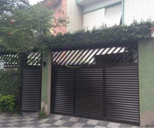 Casa, código 64152757 em Santos, bairro Boqueirão