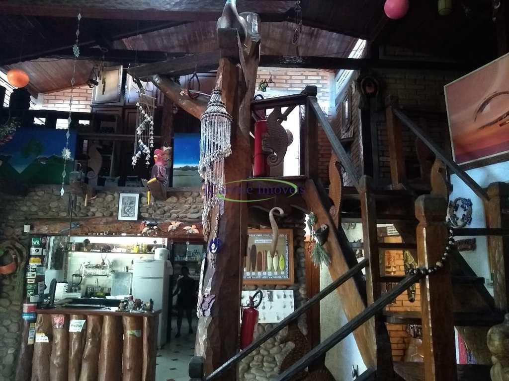 Casa Comercial em São Sebastião, no bairro Boiçucanga