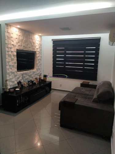 Apartamento, código 64153089 em Santos, bairro Embaré