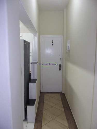 Apartamento, código 64153128 em Santos, bairro Embaré