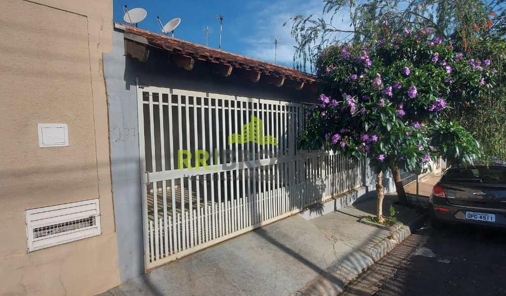 Casa em Catanduva, bairro Conjunto Habitacional Deputado Antônio Mastrocola