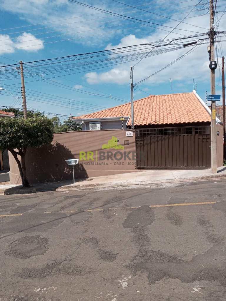 Casa em Catanduva, no bairro Jardim São Domingos