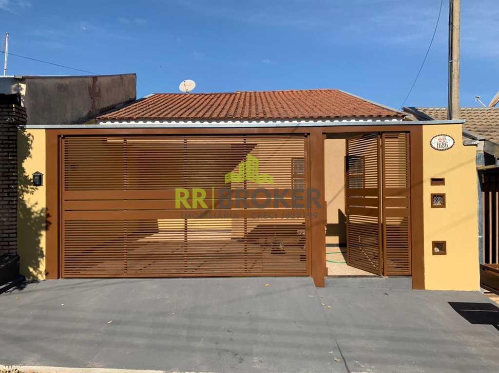 Casa em Mirassol, no bairro Jardim Karina I