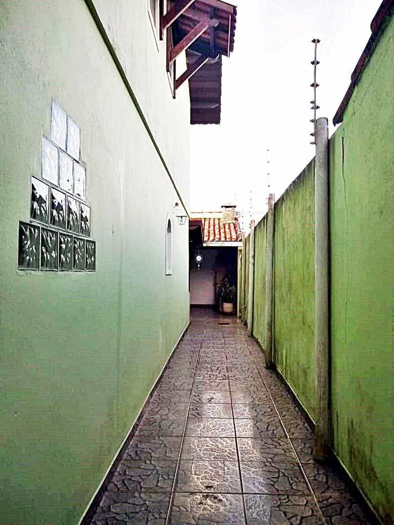 Sobrado em Itanhaém, no bairro Belas Artes