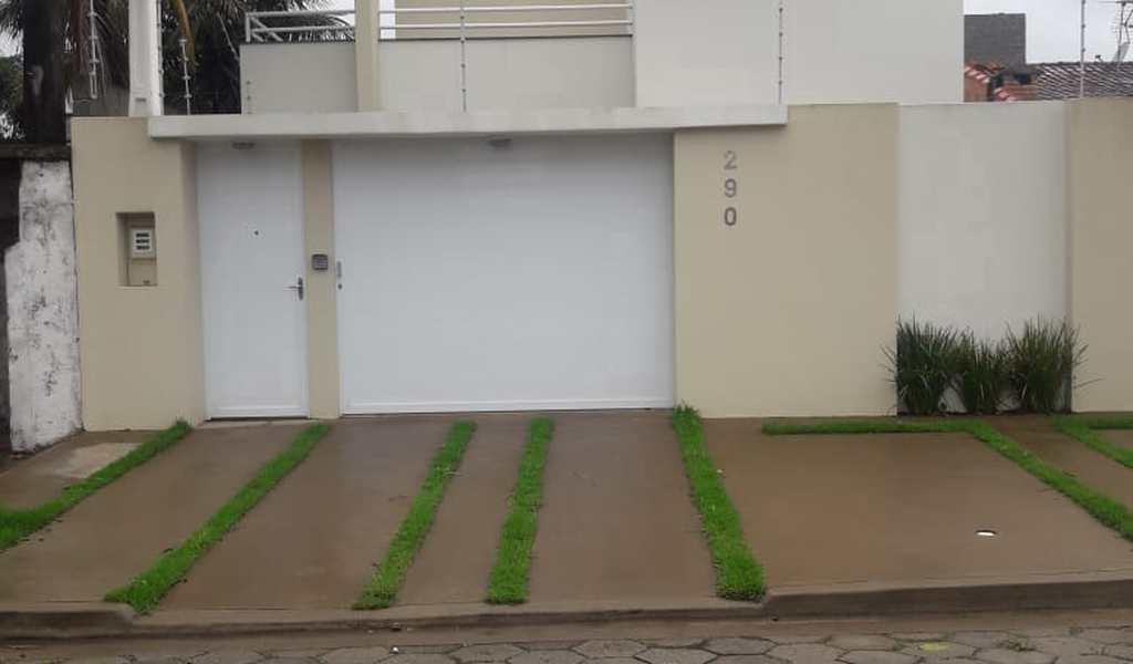 Sobrado em Itanhaém, bairro Jardim Ibera