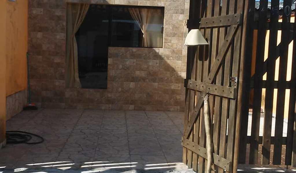 Casa em Itanhaém, bairro Satélite