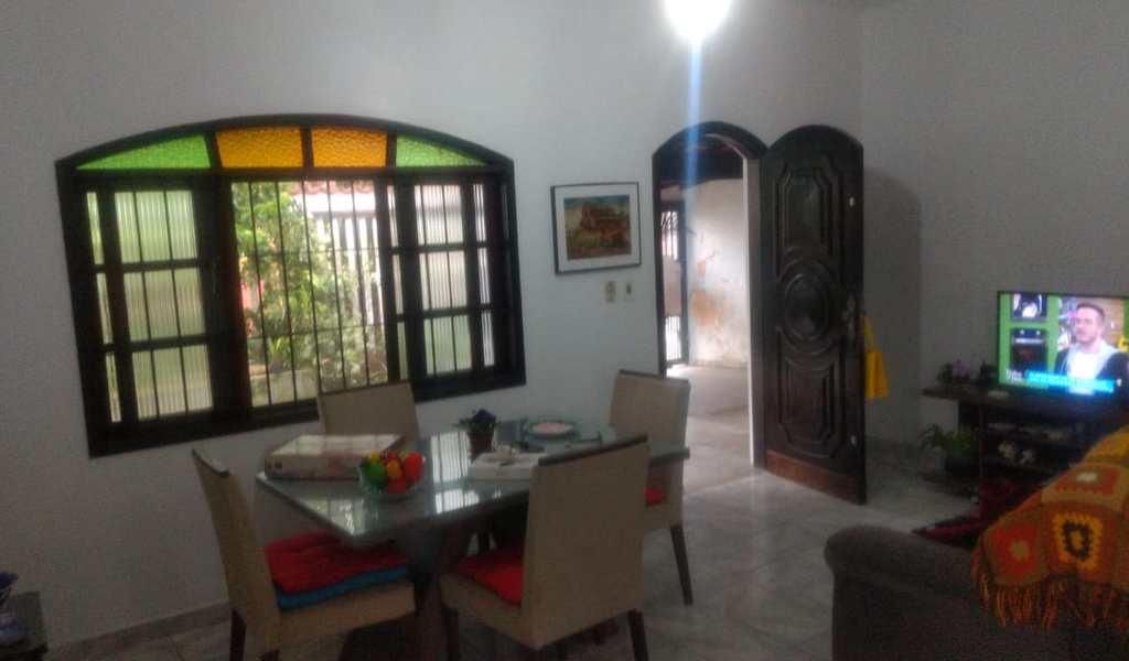 Casa em Itanhaém, bairro Jardim Suarão