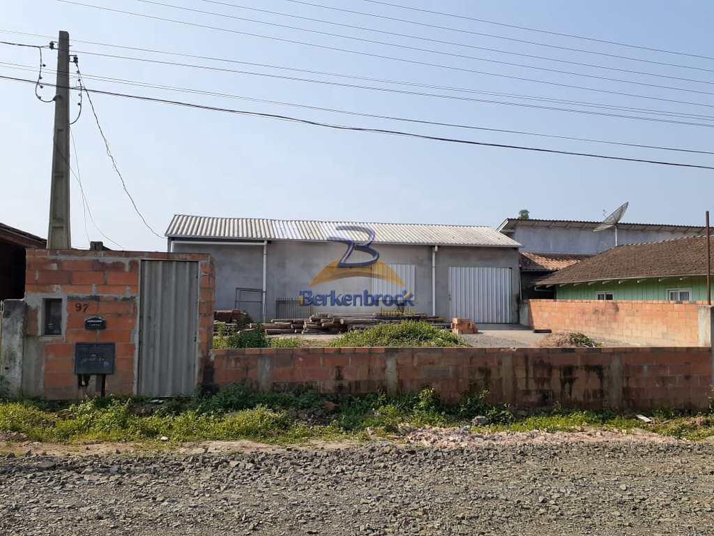 Galpão em Pouso Redondo, no bairro Leopoldo Mees