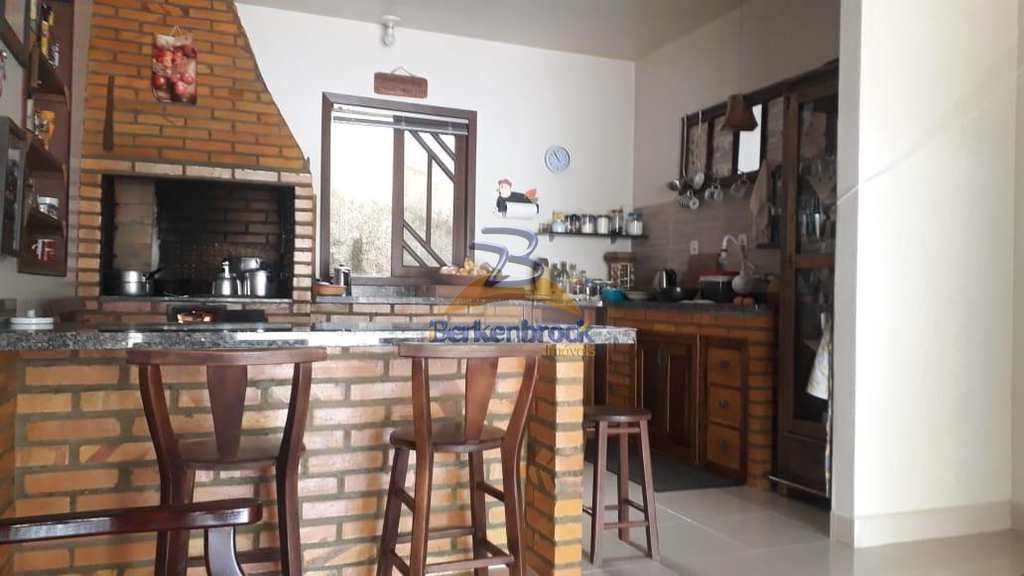 Casa em Laurentino, no bairro Caçador