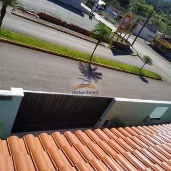Casa em Rio do Sul, bairro Fundo Canoas