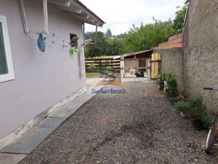 Casa em Laurentino, no bairro Baixo Amoado