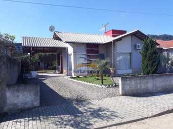 Casa, código 445 em Laurentino, bairro Centro