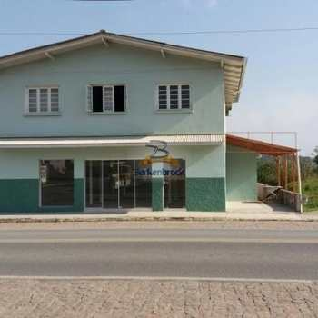 Casa em Rio do Oeste, bairro Centro