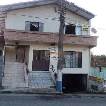 Apartamento em Salete, bairro Centro