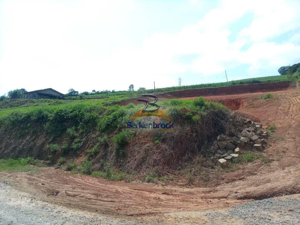Terreno em Laurentino, no bairro Caçador
