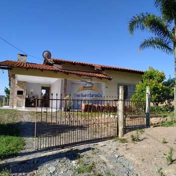 Casa em Braço do Trombudo, bairro Centro