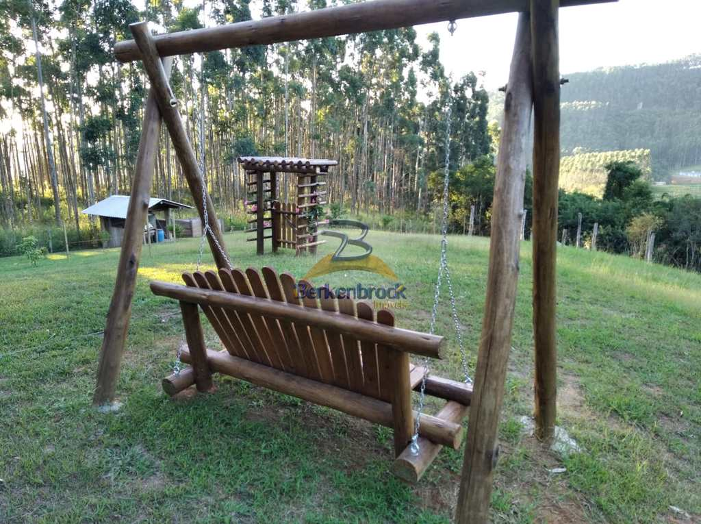 Sítio em Laurentino, no bairro Vila Nova