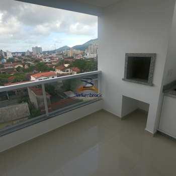 Apartamento em Navegantes, bairro Gravatá