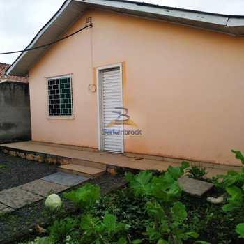 Casa em Pouso Redondo, bairro Vila Adelaide