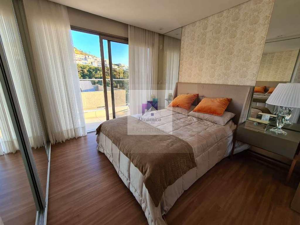 Casa de Condomínio em Belo Horizonte, no bairro Buritis