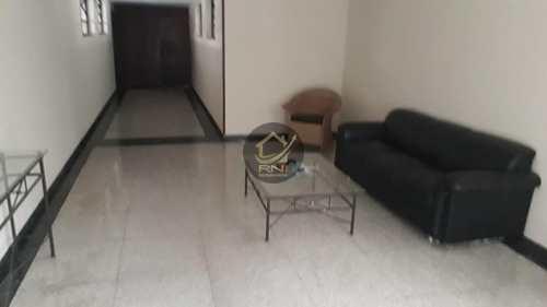 Apartamento, código 63101390 em Santos, bairro Marapé