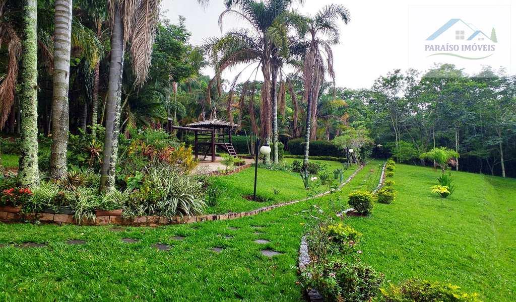 Condomínio em Paraisópolis, no bairro Recanto das Palmeiras