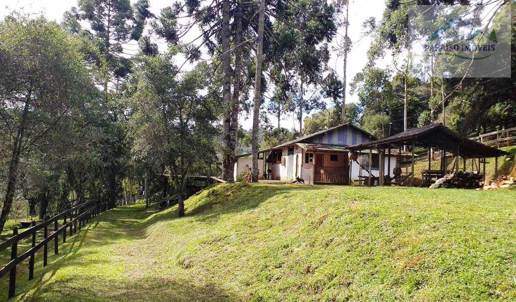 Rancho em Gonçalves, bairro Sertão do Cantagalo