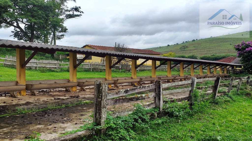 Fazenda em Paraisópolis, no bairro Cruz Vera