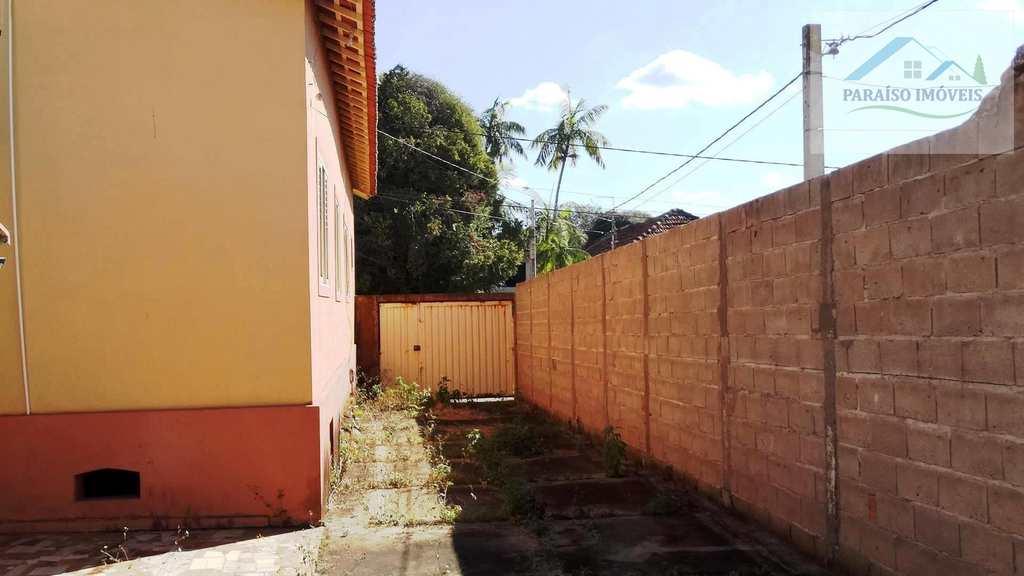 Casa em Paraisópolis, no bairro Centro