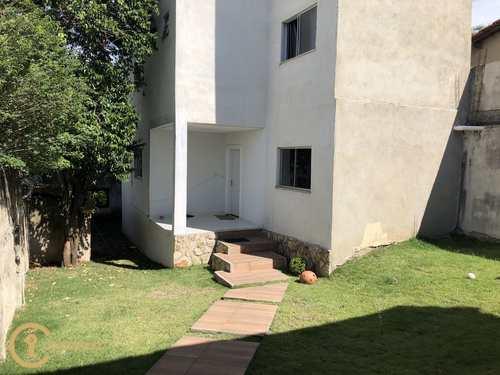 Casa, código 21 em Divinópolis, bairro Santa Rosa