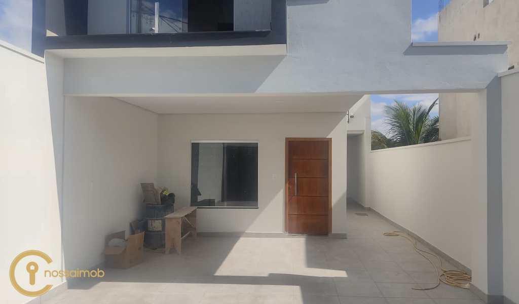 Casa em Divinópolis, bairro Santa Marta