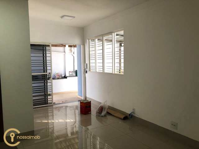 Casa em Divinópolis, no bairro Santa Tereza