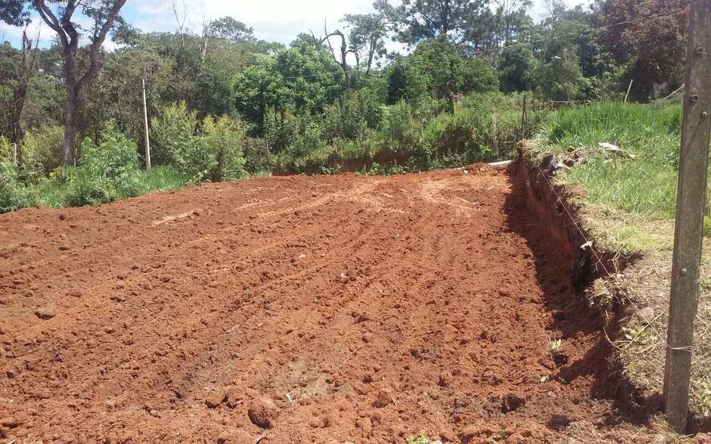 Terreno em Cotia, no bairro Caputera