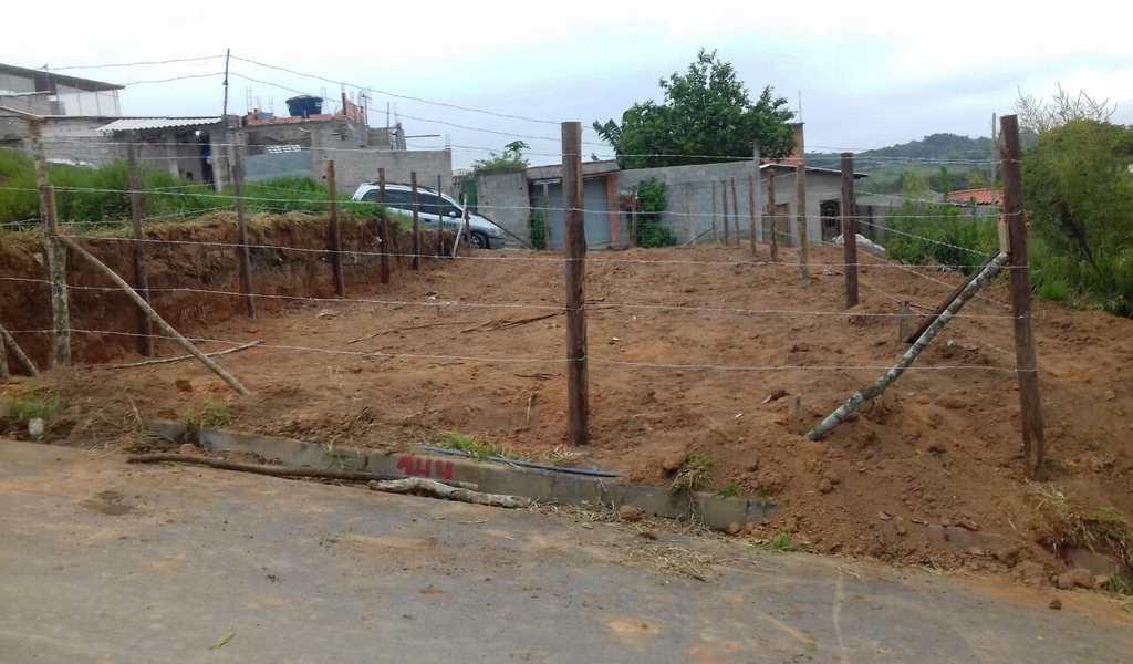 Terreno em Cotia, bairro Caputera