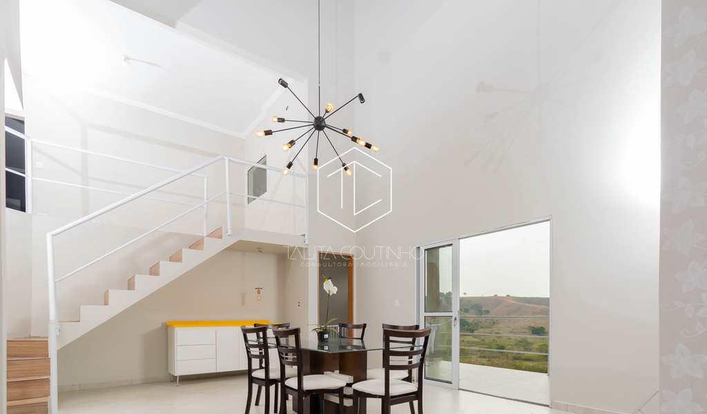 Casa de Condomínio em Jacareí, bairro Condomínio Residencial Mirante do Vale