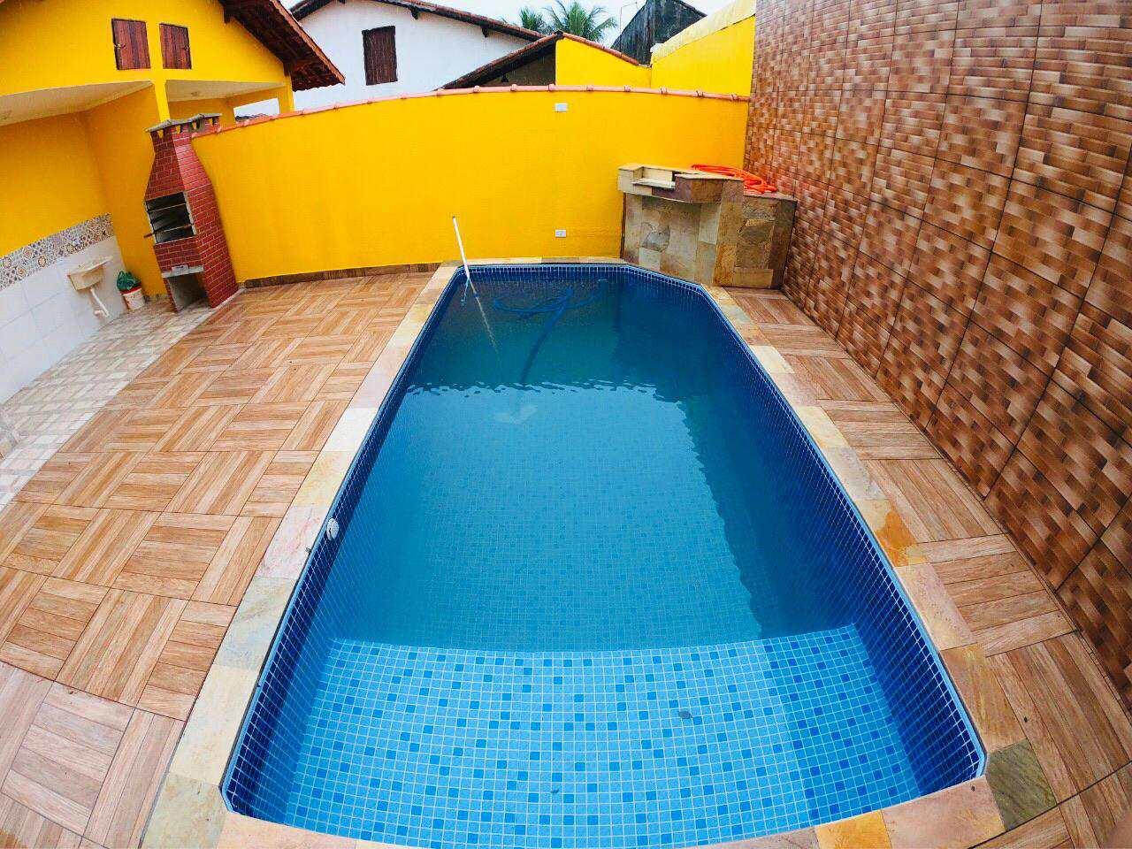 Casa com 2 dorms, Vila Seabra, Mongaguá - R$ 225 mil