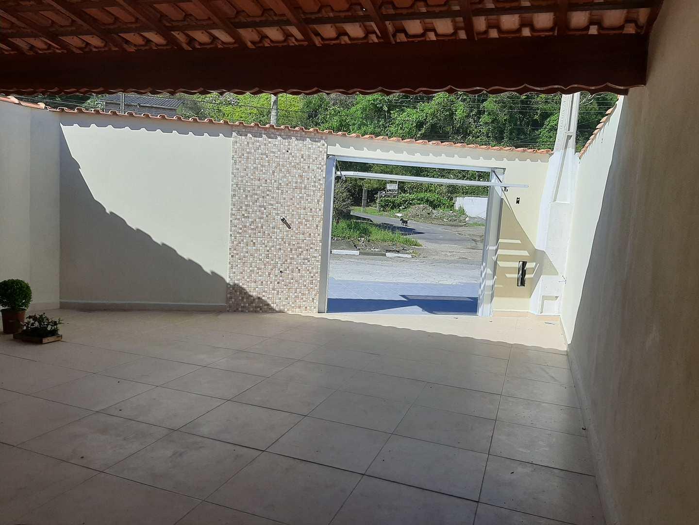 Casa com 2 dorms, Jardim Aguapeú, Mongaguá - R$ 280 mil