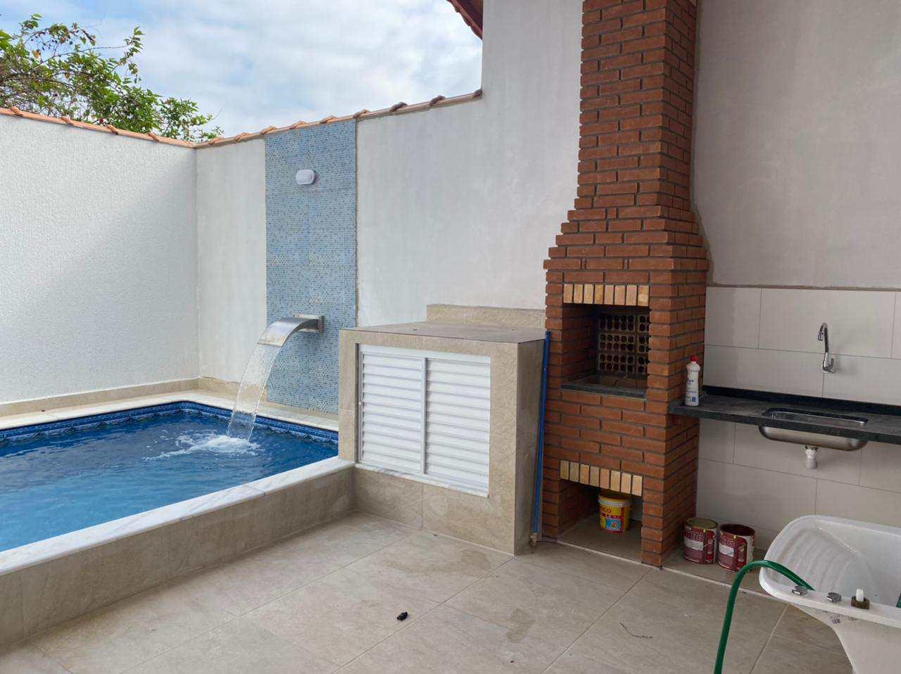 Casa com 2 dorms, Balneário Santa Eugênia, Mongaguá - R$ 360 mil