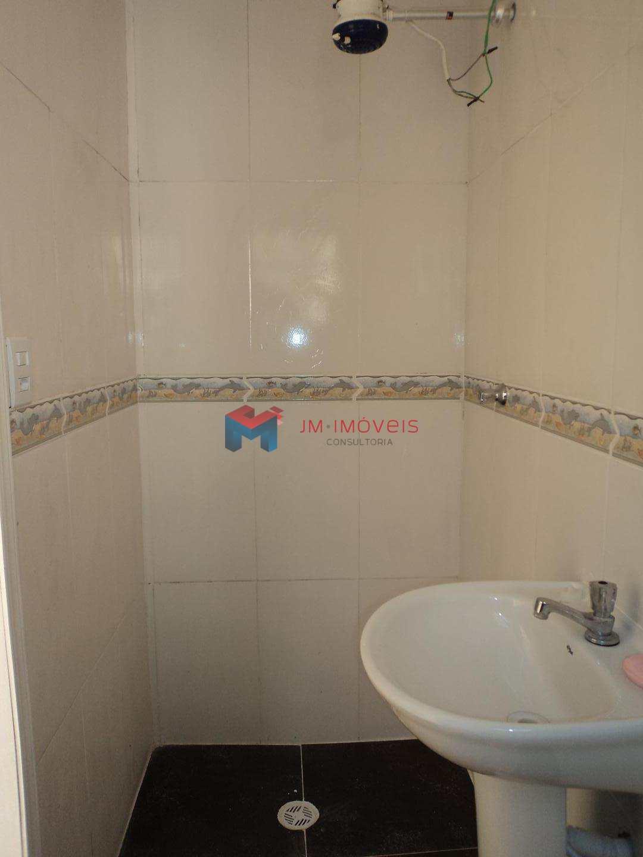 09 banheiro do fundo