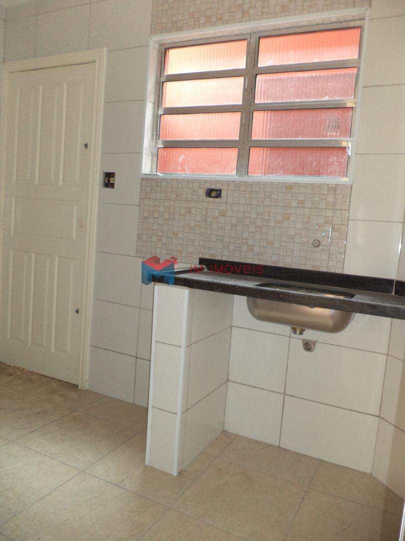 Casa de Condomínio com 1 dorm, Canto do Forte, Praia Grande - R$ 145 mil, Cod: 414078