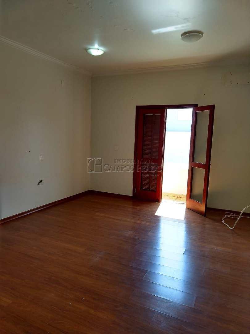 Casa com 3 dorms sendo 1 suíte com closet e hidro