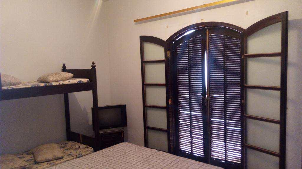 Casa com 2 dorms, Balneário São Francisco, Itanhaém - R$ 320 mil, Cod: 4853