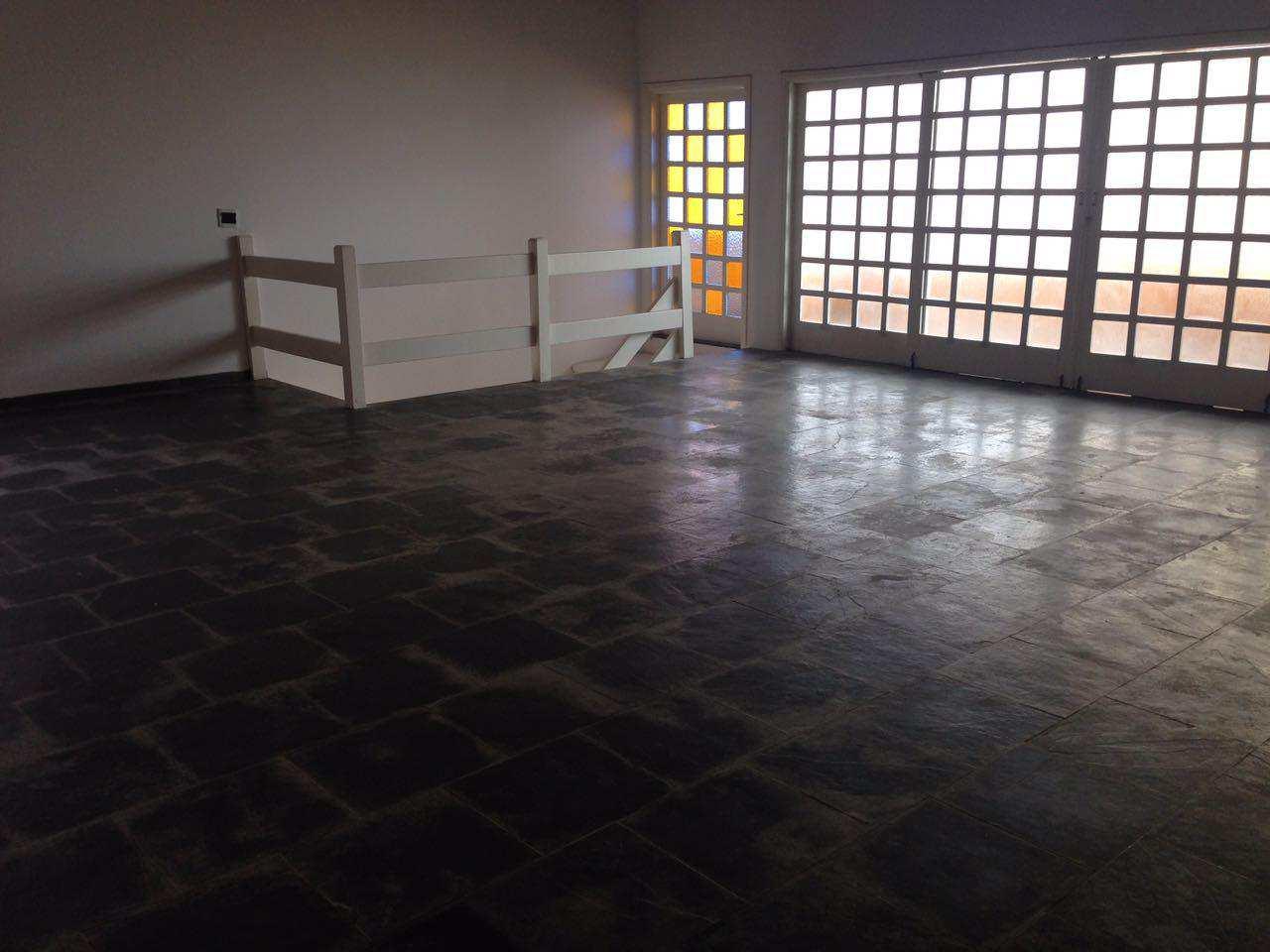 Casa com 4 dorms, Satélite, Itanhaém - R$ 600 mil, Cod: 4897