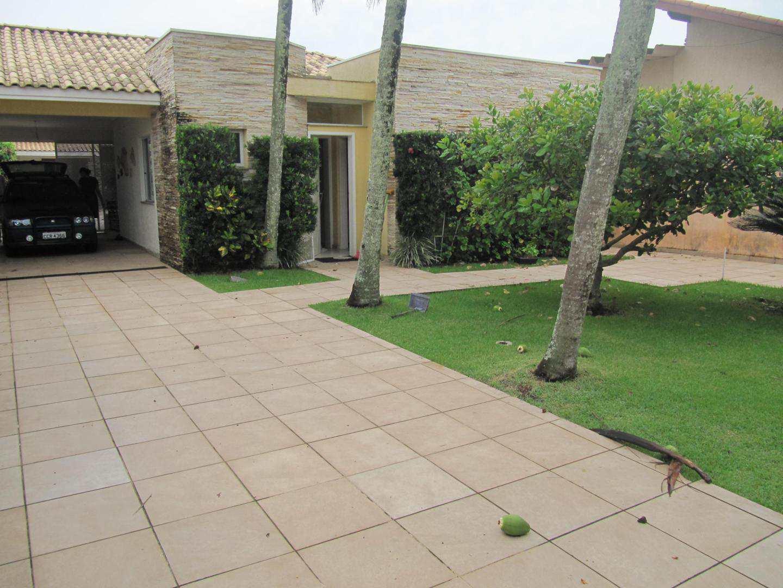 Casa com 4 dorms, Centro, Itanhaém - R$ 3.5 mi, Cod: 4982