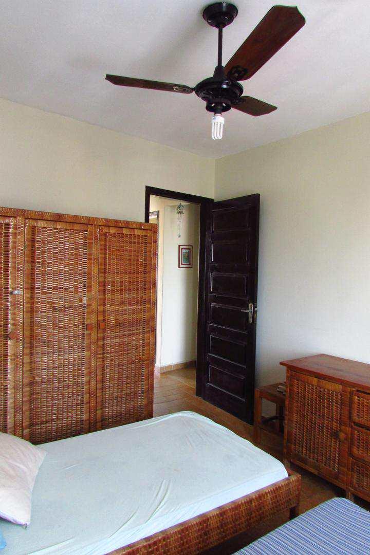 Apartamento com 3 dorms, Centro, Itanhaém - R$ 340 mil, Cod: 4990