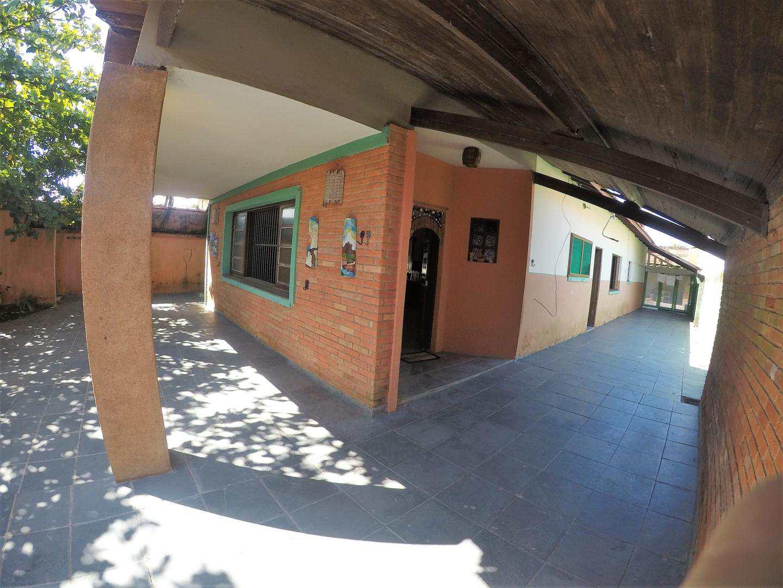 Casa com 6 dorms, Balneário Tupy, Itanhaém - R$ 350 mil, Cod: 4993