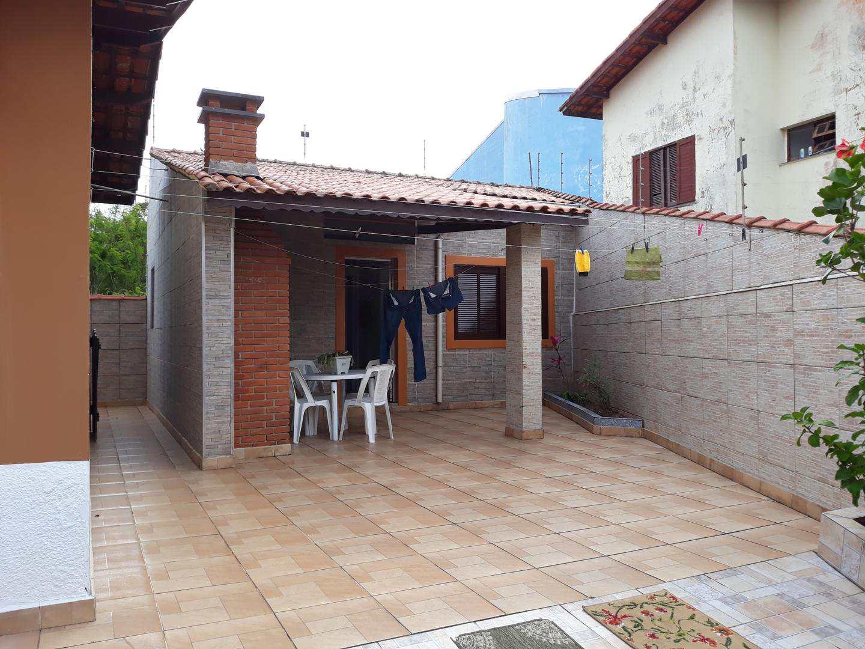 Casa com 3 dorms, Centro, Itanhaém - R$ 700 mil, Cod: 5126