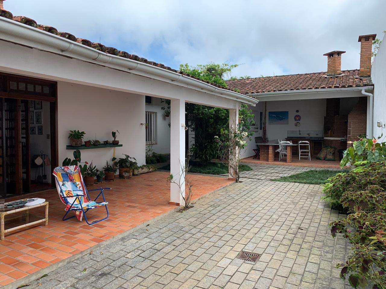 Casa com 3 dorms, Centro, Itanhaém - R$ 850 mil, Cod: 5367